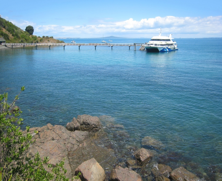 Tiritiri Matangi wharf and Tiri Kat ferry