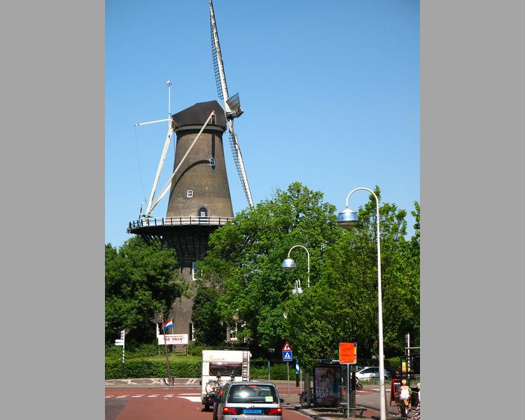 De Valk Windmill in Leiden, Holland (image)