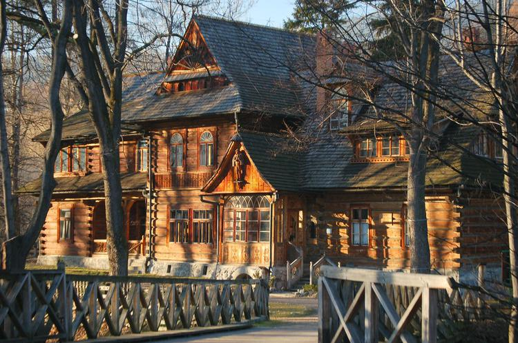 Cute wooden house in Zakopane (image)