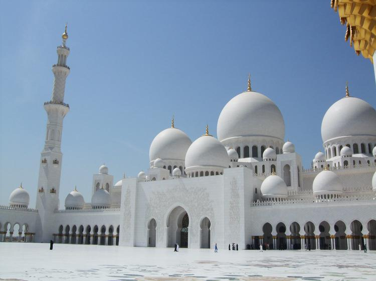 Magnificent Sheikh Zayed Mosque (image)