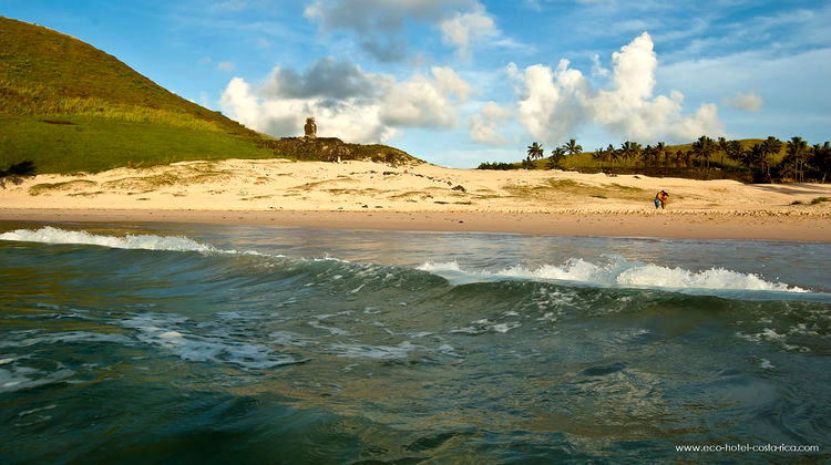 Chilie - Easter Island - Ocean Beach - 471 (image)